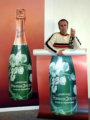 PERRIER JOUET CHAMPAGNE • Brand promotion in Nightclubs & Restaurants